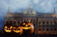 Free Halloween Pumpkin Head Jack Lanterns In Front Of Ancient Spooky Castle Royalty Free Stock Images - 127238089