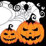 Halloween, ragnatela con un ragno, una zucca dipinta con i pixel, quadrati Immagini Stock Libere da Diritti