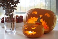 halloween rzeźbiąca bania Obrazy Royalty Free
