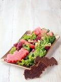 Halloween-Salat mit dem geformten Schläger schmückt Stockfotos