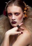 Halloween-Schönheitsfrauenmake-up Stockfotos