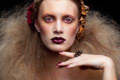 Halloween-Schönheitsfrauenmake-up Lizenzfreie Stockbilder