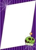 Halloween Spiderweb mit Kuchen-Feld Stockfotografie