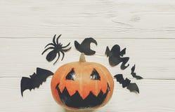 halloween stålarlyktapumpa med häxaspöken slår till och spindeln Fotografering för Bildbyråer