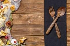 Halloween stół z suchymi kwiatami Obraz Stock