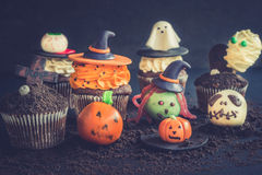 Halloween sweet decoration. With cup cakes and cake pops,selective focus Royalty Free Stock Photos