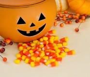 halloween szczęśliwej dźwigarki latarniowy o położenia stół Fotografia Stock