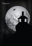 Halloween-Szene mit frequentiertem Haus, Bäumen und Hieb stock abbildung