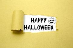 Halloween-Text auf braunem Papier Stockfoto
