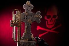 Halloween-Trompete-Grabstein-Rot Stockbilder