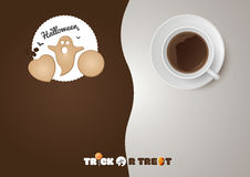 Halloween - truco o invitación, galletas, taza de café Imagen de archivo