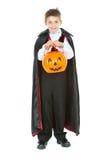 Halloween: Vampirs-Jungen-Trick oder Behandlung Lizenzfreies Stockbild
