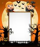 Halloween-Zeichen mit kleinem Mädchen Dracula und Hexe des kleinen Jungen und gespenstischem Baum stock abbildung