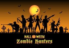 Halloween-Zombiejägerteam am Friedhof Stockfotos