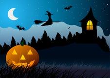 Halloween Zucca su un fondo degli alberi e di vecchia casa Fotografie Stock