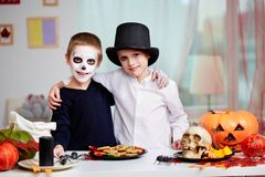 Halloween-Zwillinge Lizenzfreie Stockbilder