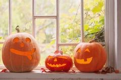 Halloweenowa bania na okno fotografia royalty free