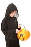 Halloweenowa chłopiec z cukierkiem obrazy stock