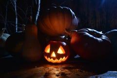 Halloweenowa dyniowa dźwigarki twarz z moonligh Fotografia Royalty Free