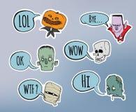 Halloweenowa majcher paczka Żywy trup, kościec, mamusia i inni straszni charaktery z mową, gulgoczemy abstrakcjonistycznych tła b royalty ilustracja