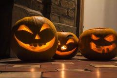 Halloweenowe banie rzeźbi w ogródzie Obrazy Stock