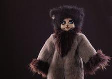 Halloweenowe zabawki Uroczy mityczny czarny pussycat z zielonymi oczami fotografia stock