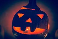 Halloweenowego dyniowego lampionu zmroku światła twarzy gniewny spadek Fotografia Royalty Free