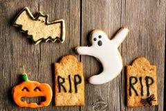 Halloweenowi domowej roboty piernikowi ciastka zdjęcia stock