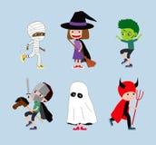 Halloweenowi dzieciaki Set kreskówek dzieci w kostiumach royalty ilustracja