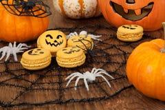 Halloweenowi Macaroons Zdjęcia Stock