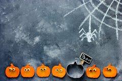 Halloweenowy śmieszny dyniowy tło z kopii przestrzenią Zdjęcia Stock