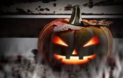 Halloweenowy pojęcie bania i liście klonowi Obraz Royalty Free