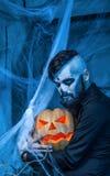 Halloweenowy pojęcie z młodym człowiekiem Zdjęcie Royalty Free