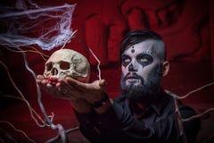 Halloweenowy pojęcie z młodym człowiekiem Obraz Royalty Free