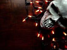 Halloweenowy wystrój na drewnianym stole obraz royalty free