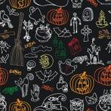 Halloweenowych ikon Bezszwowy wzór Doodles szkicowego Obraz Royalty Free