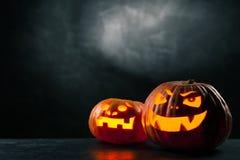 ` Halloweens Jack O Laternenkürbise Stockfotografie