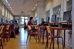 Hallschool, el pasillo de Van Maerlant Lyceum Imágenes de archivo libres de regalías