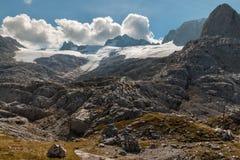 Hallstatt冰川在达克斯坦阿尔卑斯,奥地利 免版税库存图片