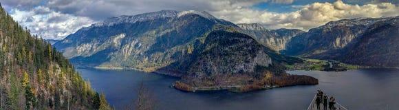 Hallstatt山全景风景- Skywalk,奥地利人Apls 免版税库存照片
