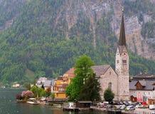 Hallstatt湖村庄在春天 免版税库存照片