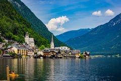 Hallstatt湖边村庄在奥地利 免版税图库摄影
