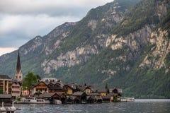 Hallstatt Österrike/by Royaltyfria Foton