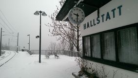Hallstatt в взгляде снега, Австрии стоковое фото rf