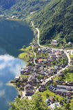 Hallstatt den mest härliga sjöstaden i världen, Österrike. royaltyfri bild