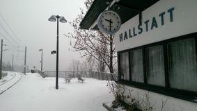 Hallstatt en la opinión de la nieve, Austria foto de archivo libre de regalías