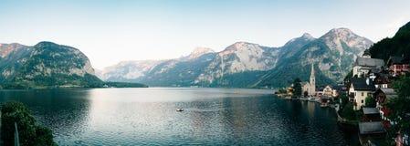 Hallstatt im Panorama Lizenzfreies Stockbild