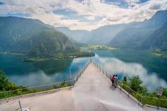 Hallstatt jezioro od Salzwelten Solankowych kopalni punktu widzenia Fotografia Stock