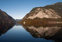 Hallstatt jezioro, odbicie, Spokojna scena Zdjęcia Stock