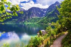 Hallstatt - lago e villaggio del picturesue in alpi austriache Fotografia Stock